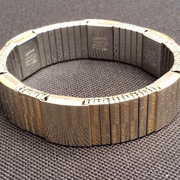 Vintage magnetic bracelet