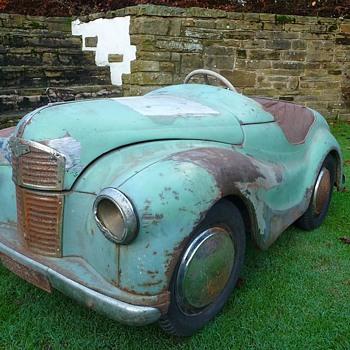 Austin J40 Pedal Car  - Model Cars