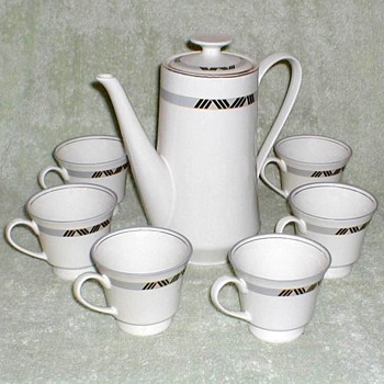 Schmidt Porcelana Coffee Pot & Cups Set