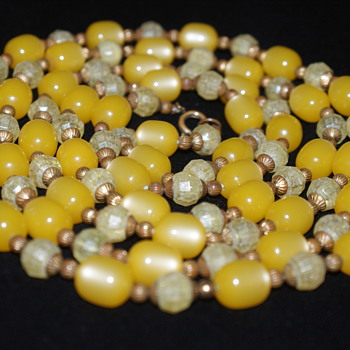 A Friend for valentino's/Mary's Yellow Beads Necklace