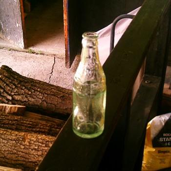 Williams Soda Water 6oz bottle