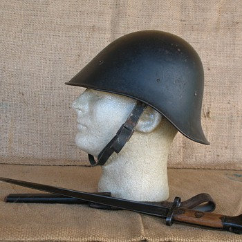 Dutch M34 Police steel helmet