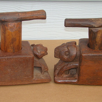 Carved Wood Folk Art Primitive Indian Peyote Grinder ????