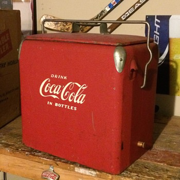 1950 Coca-Cola portable cooler