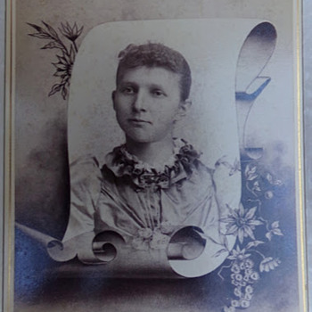 Interesting Antique Photo - Photographs