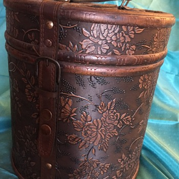 Vintage/Antique Hat Box?  Maybe? - Bags