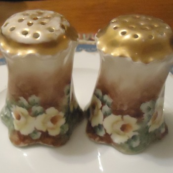 Salt and Pepper  Bavaria, artist signed?!
