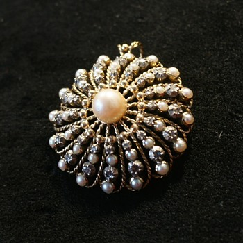 Rare Jewel Gold Pearls Diamonds pendant Brooch