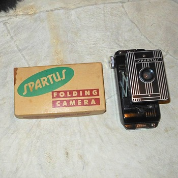 Spartus Folding Camera Model 5-500 With Box - Cameras