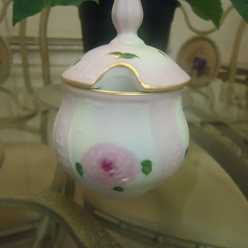 FINE PORCELIN ROSE CANDY  COLLECTION FROM CHINA