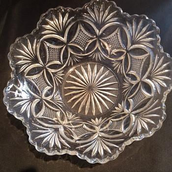 Stunning bowl - Glassware