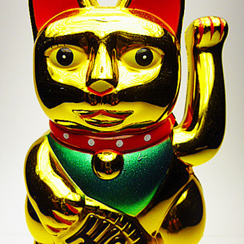 Large Lucky beckoning cat sculpture  - Asian