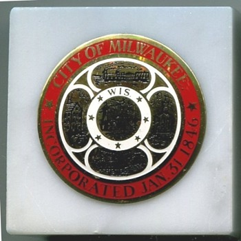 Milwaukee Seal Paper Weights