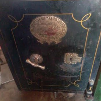 antique j grove & sons safe