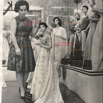 First ladies Dress's Press Release 1968 Sun Times 2nd of photo's