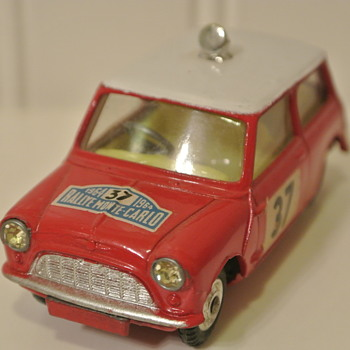 Corgi 1964 BMC Monte-Carlo Mini Cooper with Jeweled Headlights