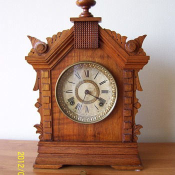 Antique Ansonia Mantle Clock -- circa 1894 - Clocks