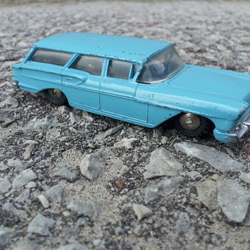 Hubley Diecast 1958 Chevrolet Wagon - Model Cars
