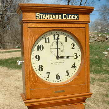 UNION PACIFIC No. 73 RAILROAD STATION OAK SELF WINDING CLOCK NY - Clocks