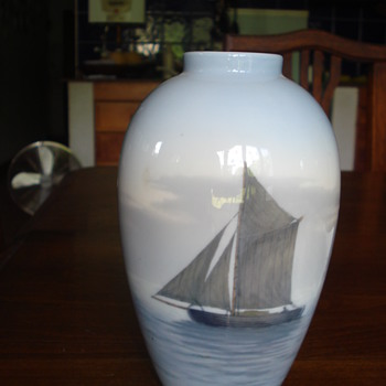 A Royal Copenhagen sailboat vase - Pottery