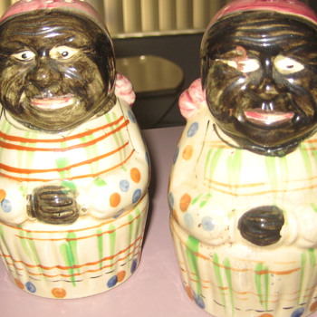 Vintage Black America shakers - Kitchen