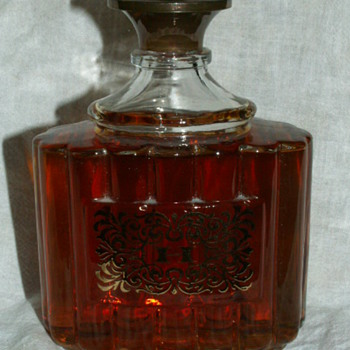 "Vintage/Antique Houbigant ""Chantilly"" Essence de Parfum 7.75 fl. oz Cologne ~ New York"