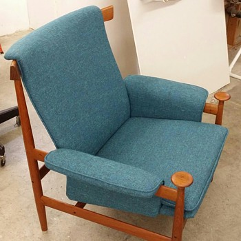 My father's reading chair - Furniture
