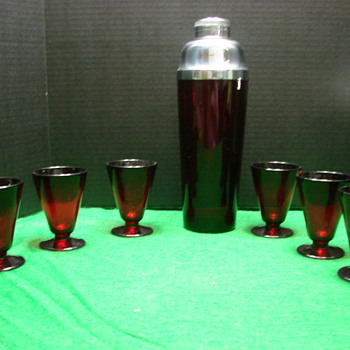 Ruby Glass Cocktail Shaker with 6 matching glasses