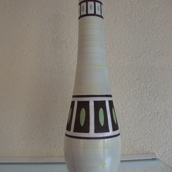 mid century modern vase by plazuid ,gouda,holland - Art Pottery