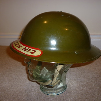 Mint Scottish WWII NFS steel helmet - Military and Wartime