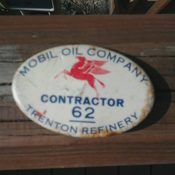 Mobil Oil Company Contractor Pin (Trenton, MI) - Petroliana