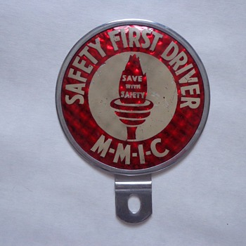 Vintage Dura-Products Safe Safety mfg. co license Plate Topper - Classic Cars