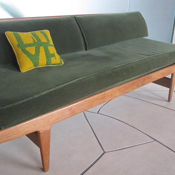 Hans Wegner knock down daybed?