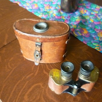 WWI binoculars - Military and Wartime