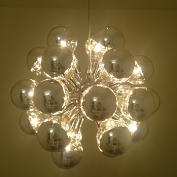Beautiful lamp - EXPENSIVE bulbs
