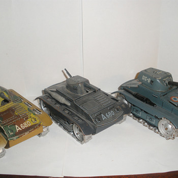 Arnold Tanks, pre, mid, and post war models. Tin wind up. 