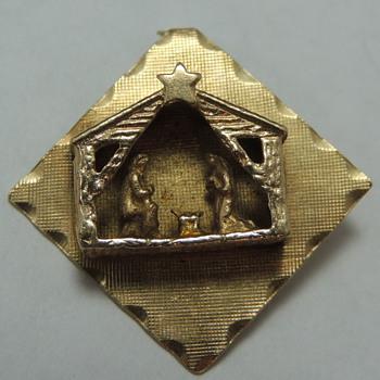 14K Gold Charm - Manger Scene - Fine Jewelry
