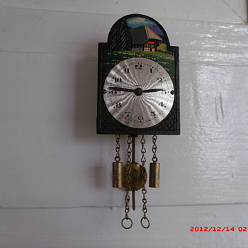 Miniture wall cuckoo clock 