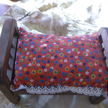 Vintage Doll Bed - Handmade we believe.  - Dolls