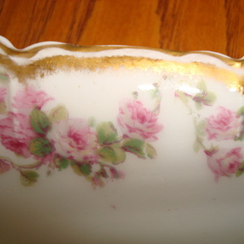 HAVILAND CHINA   ROSE PATTERN ?? - China and Dinnerware