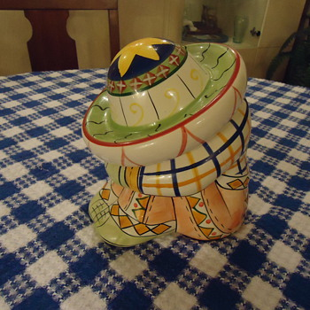 A SMALL MEXICAN COOKIE JAR. - Kitchen