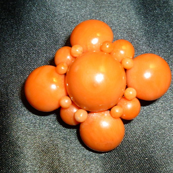 Coral brooch/pendant