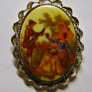 Gerry's Jewelry Cameo Brooch