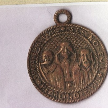 3 Wise Men Pendant (possibly brass)