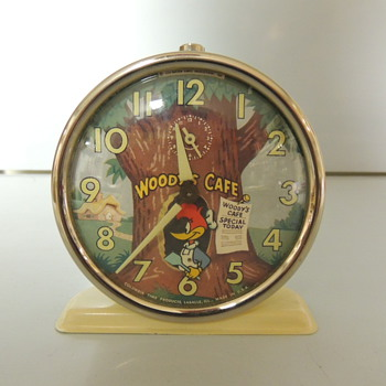WOODY WOODPECKER CLOCK