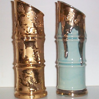 SAVOY CHINA - GOLD PAIRS IV - Art Pottery