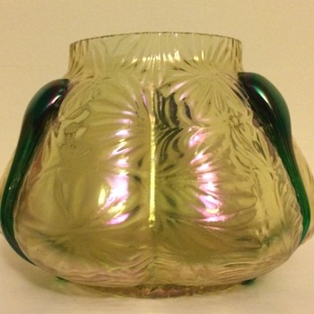 Kralik new mould pattern (?) - Art Glass