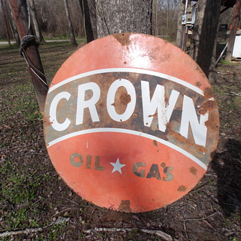 Crown Oil &amp; Gas Porcelain Sign