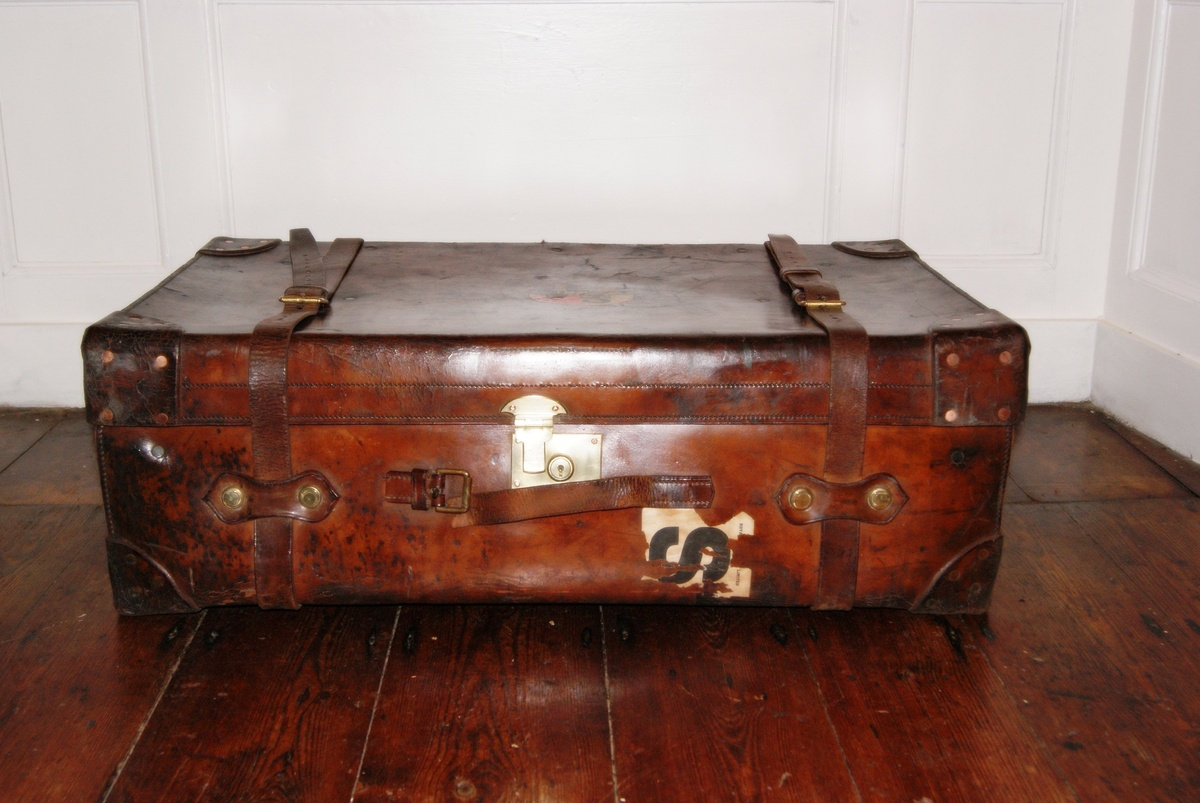 Finnigans leather trunk and moritz madler trunk collectors weekly - Leather chests and trunks ...