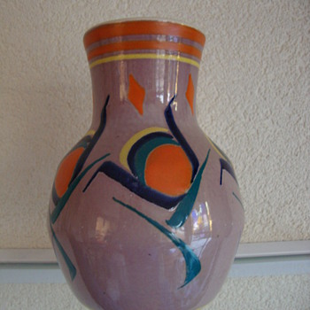 leen muller vase 20s